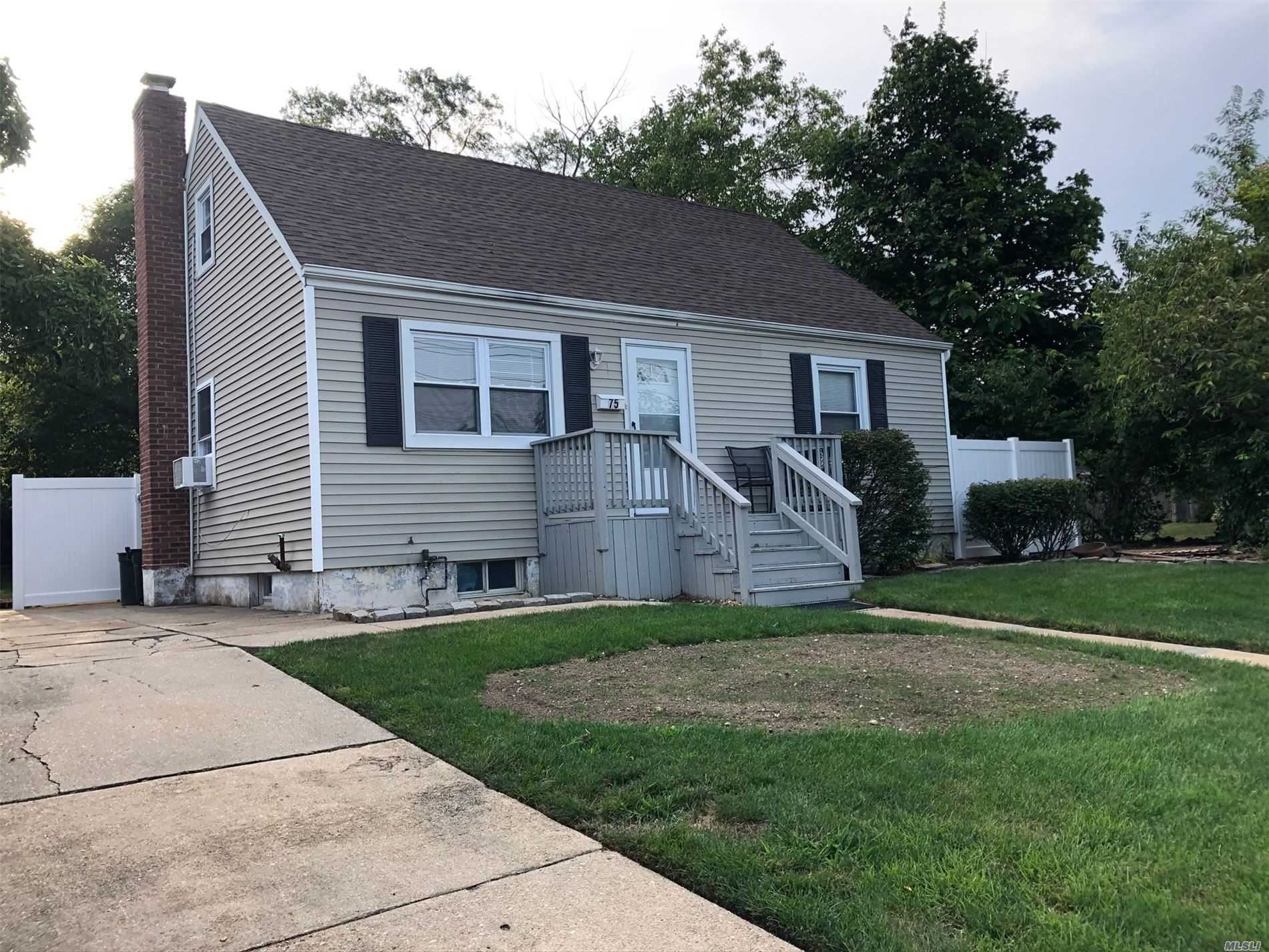 75 N Wantagh Ave, Levittown, NY 11756 - MLS#: 3232796