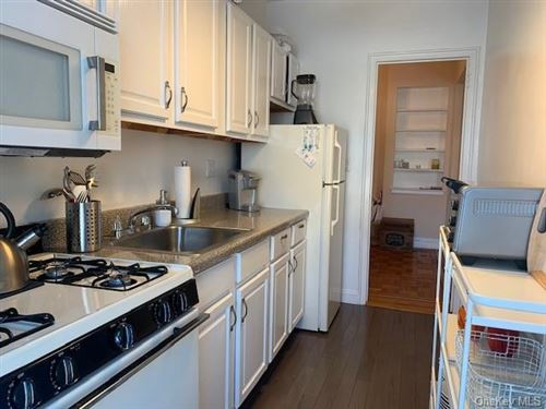 Photo of 30 Clinton Place #3H, New Rochelle, NY 10801 (MLS # H6040797)