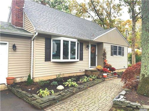 Photo of 79 Oakland Avenue, Miller Place, NY 11764 (MLS # 3263799)