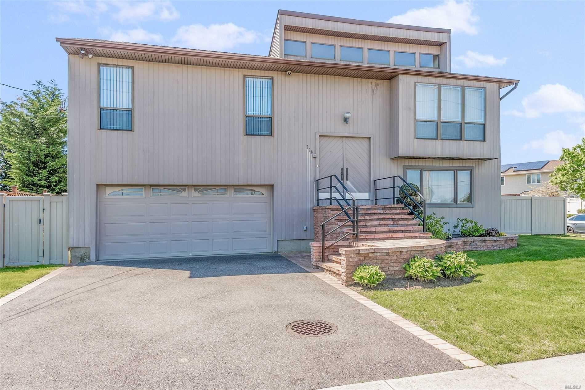 266 Mott St, Oceanside, NY 11572 - MLS#: 3215800