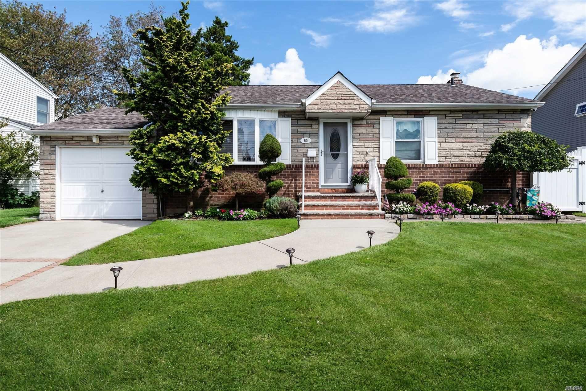 53 Spruce Street, Hicksville, NY 11801 - MLS#: 3248800