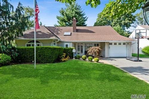 Photo of 6 Ranch Place, Merrick, NY 11566 (MLS # 3239801)