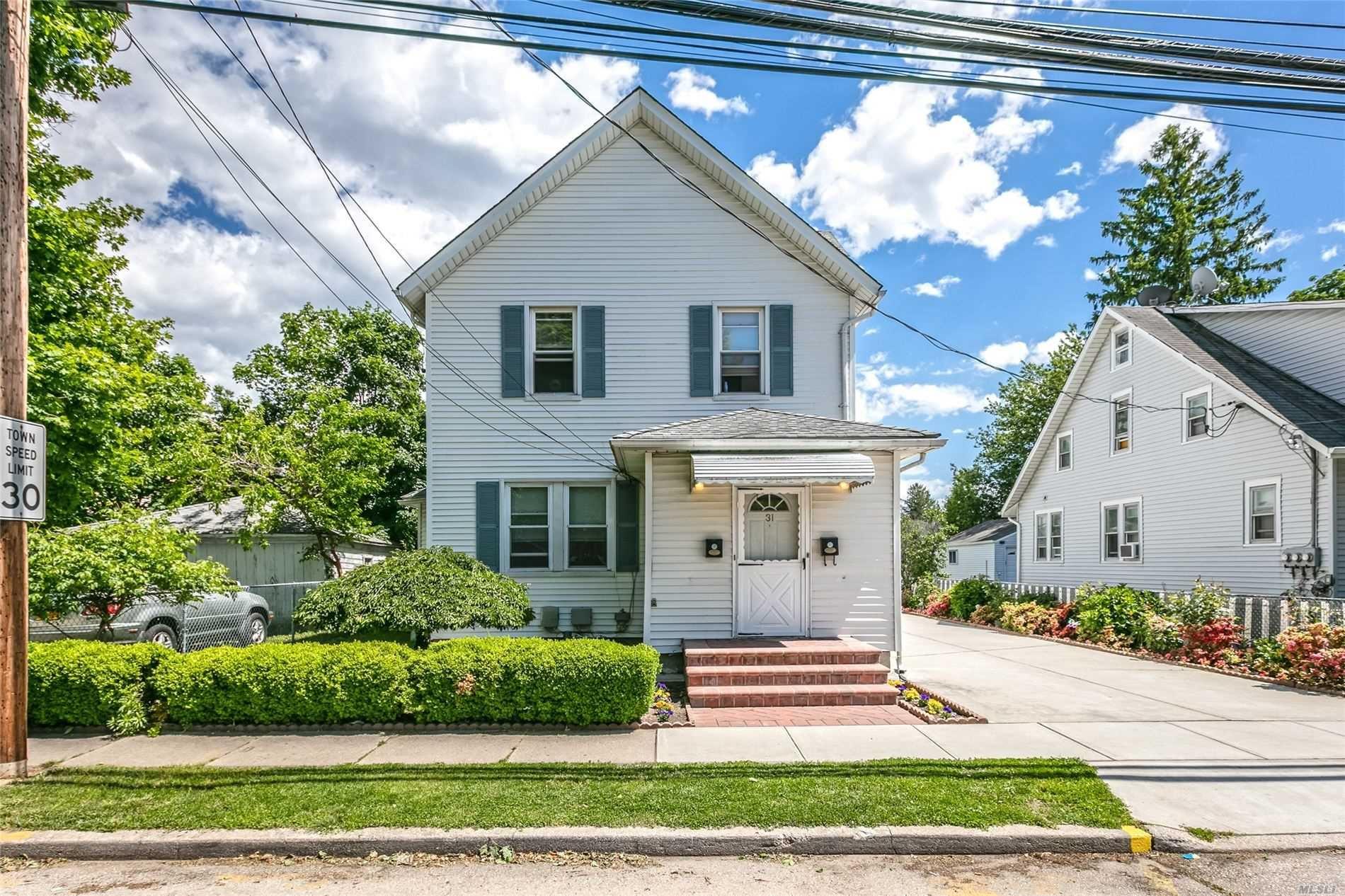 31 4th Street, Hicksville, NY 11801 - MLS#: 3218801