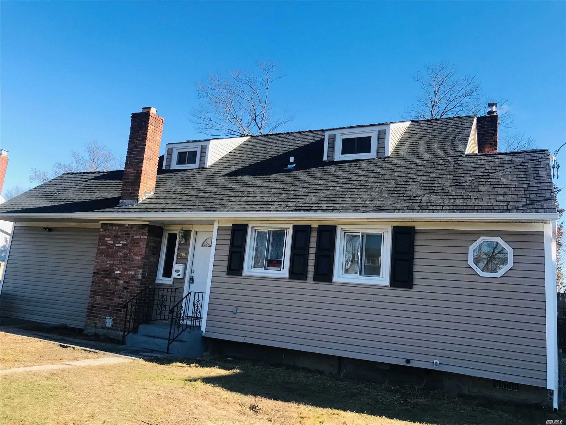209 Front Avenue, Brentwood, NY 11717 - MLS#: 3184803