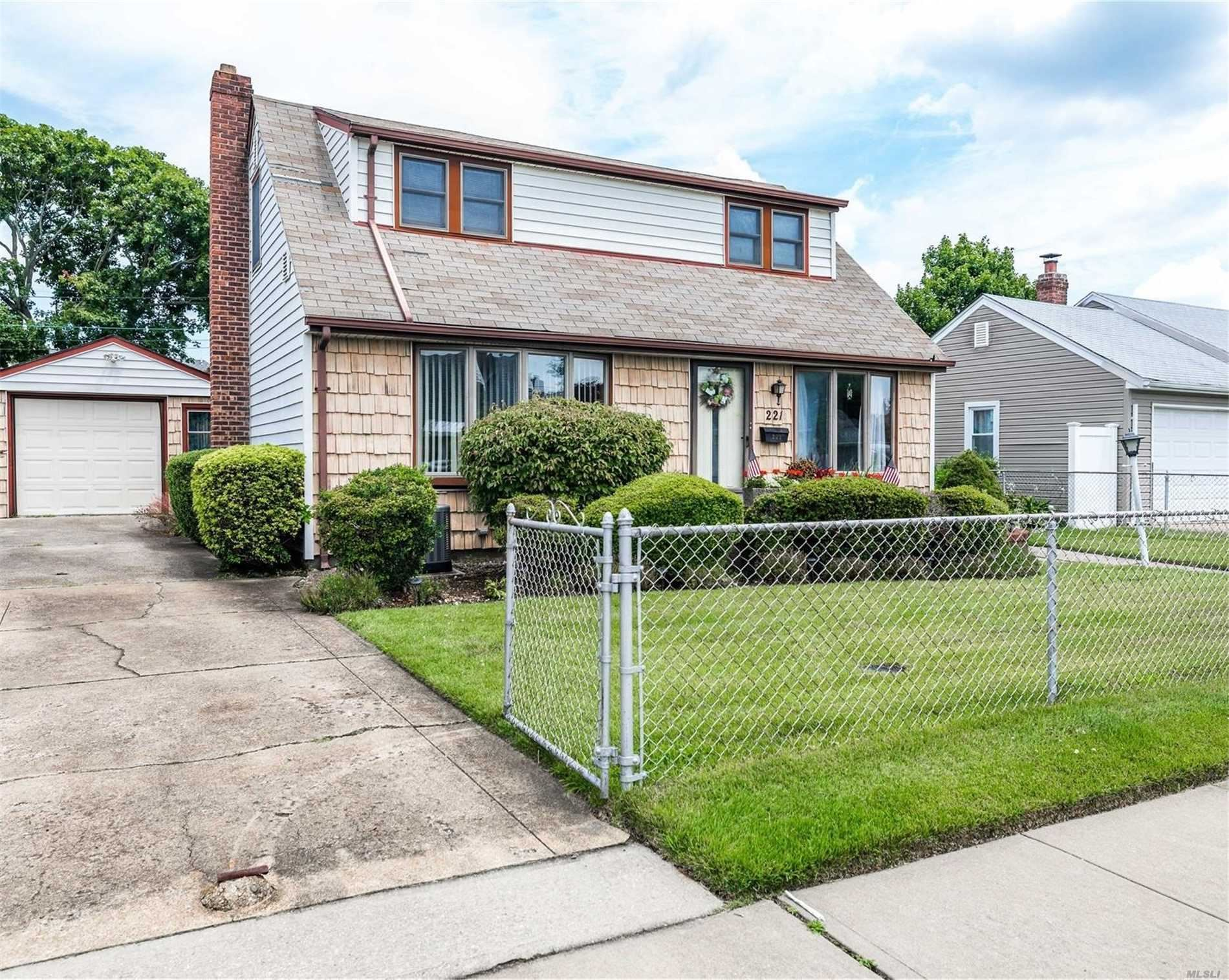 221 Lee Ave, Hicksville, NY 11801 - MLS#: 3236803