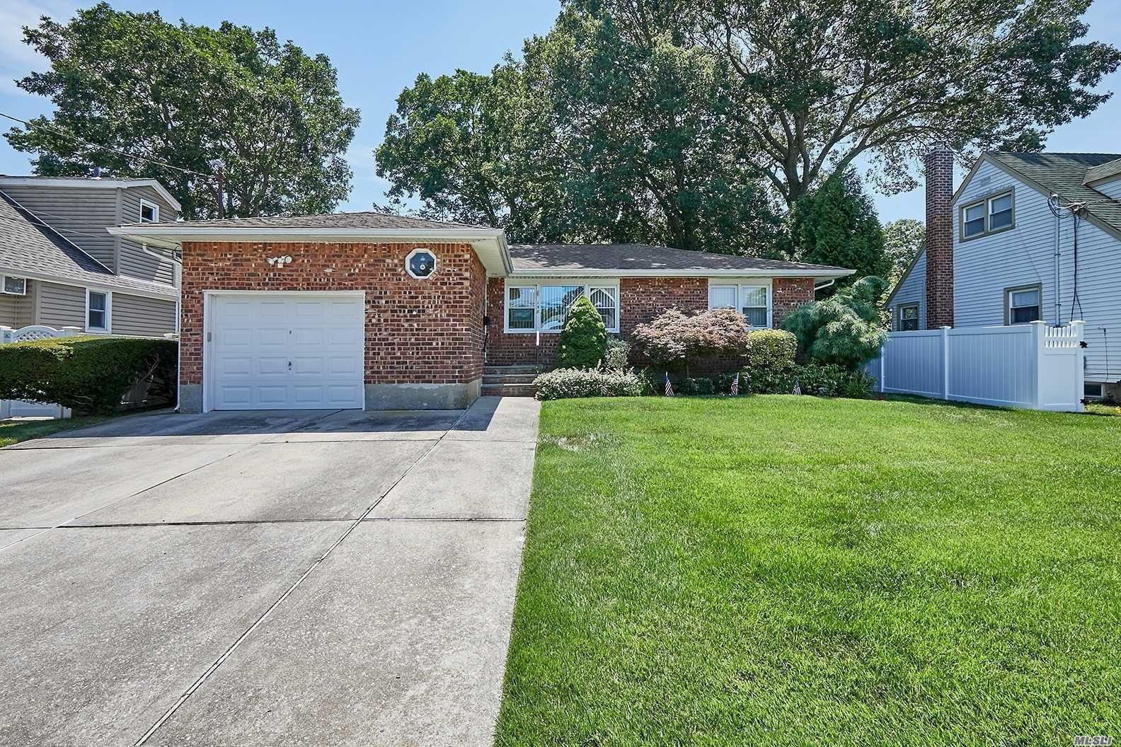 158 N Oak St, Massapequa, NY 11758 - MLS#: 3237804