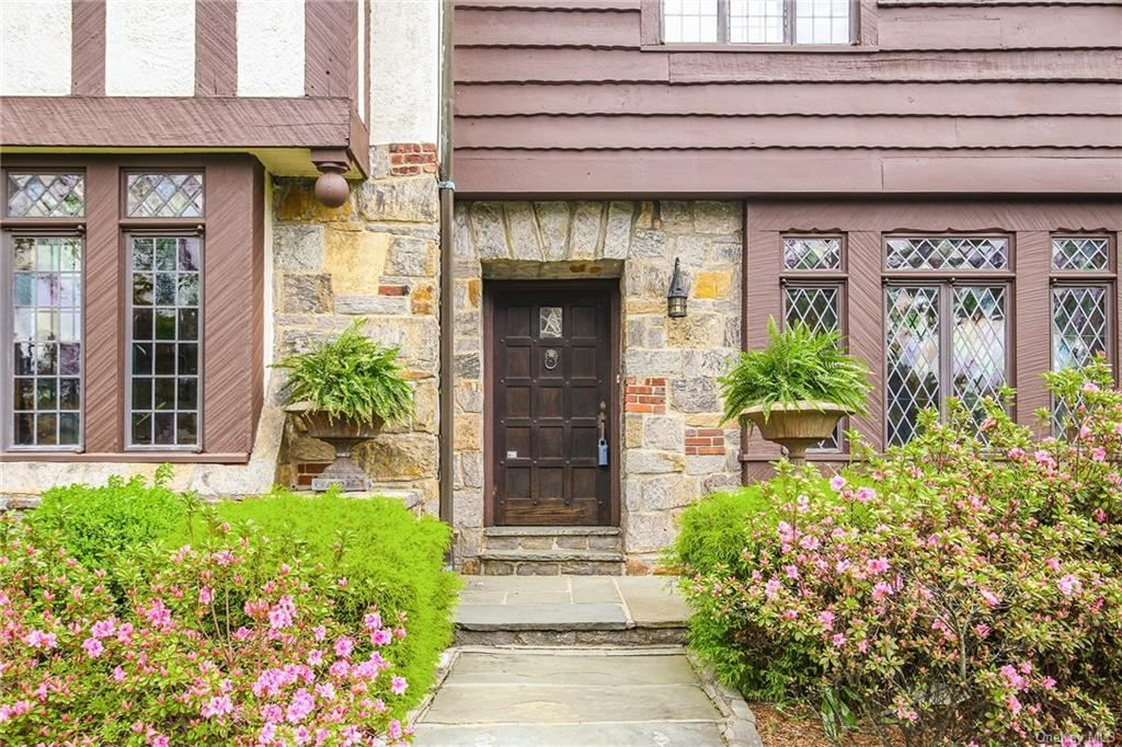 Photo of 29 Hadden Road, Scarsdale, NY 10583 (MLS # H6112806)