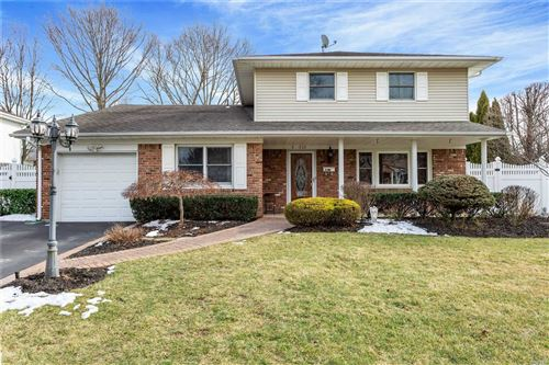 Photo of 31 Carnegie Dr, Smithtown, NY 11787 (MLS # 3194809)