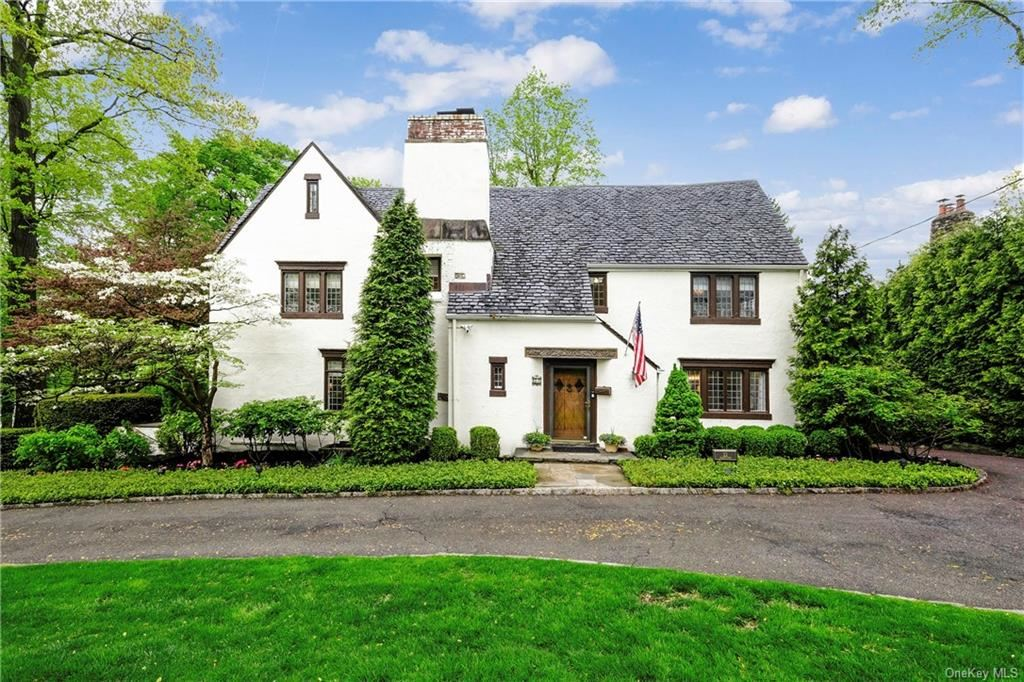 Photo of 22 Hadden Road, Scarsdale, NY 10583 (MLS # H6112810)