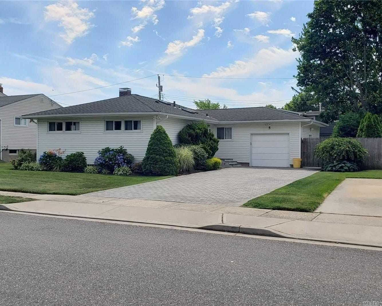 5 Primrose Avenue, Hicksville, NY 11801 - MLS#: 3226811