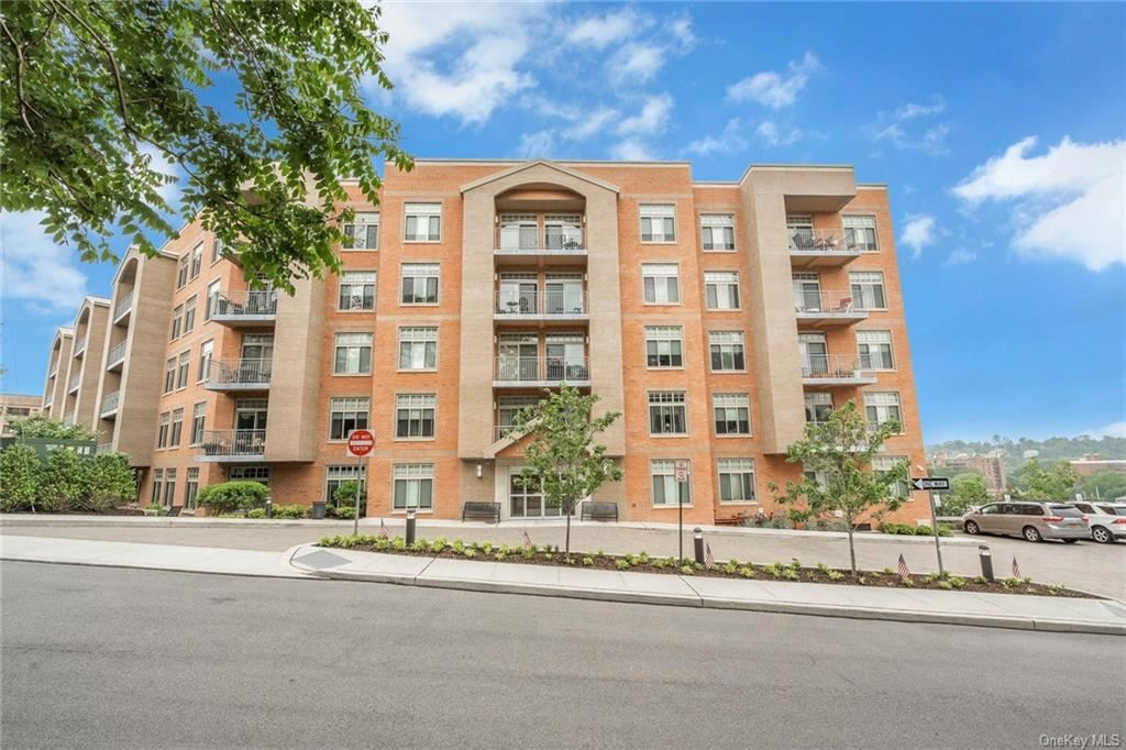 Photo of 40 Jackson Avenue #2T, Eastchester, NY 10709 (MLS # H6107814)