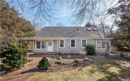 Photo of 9 Walker Court, E. Quogue, NY 11942 (MLS # 3258815)