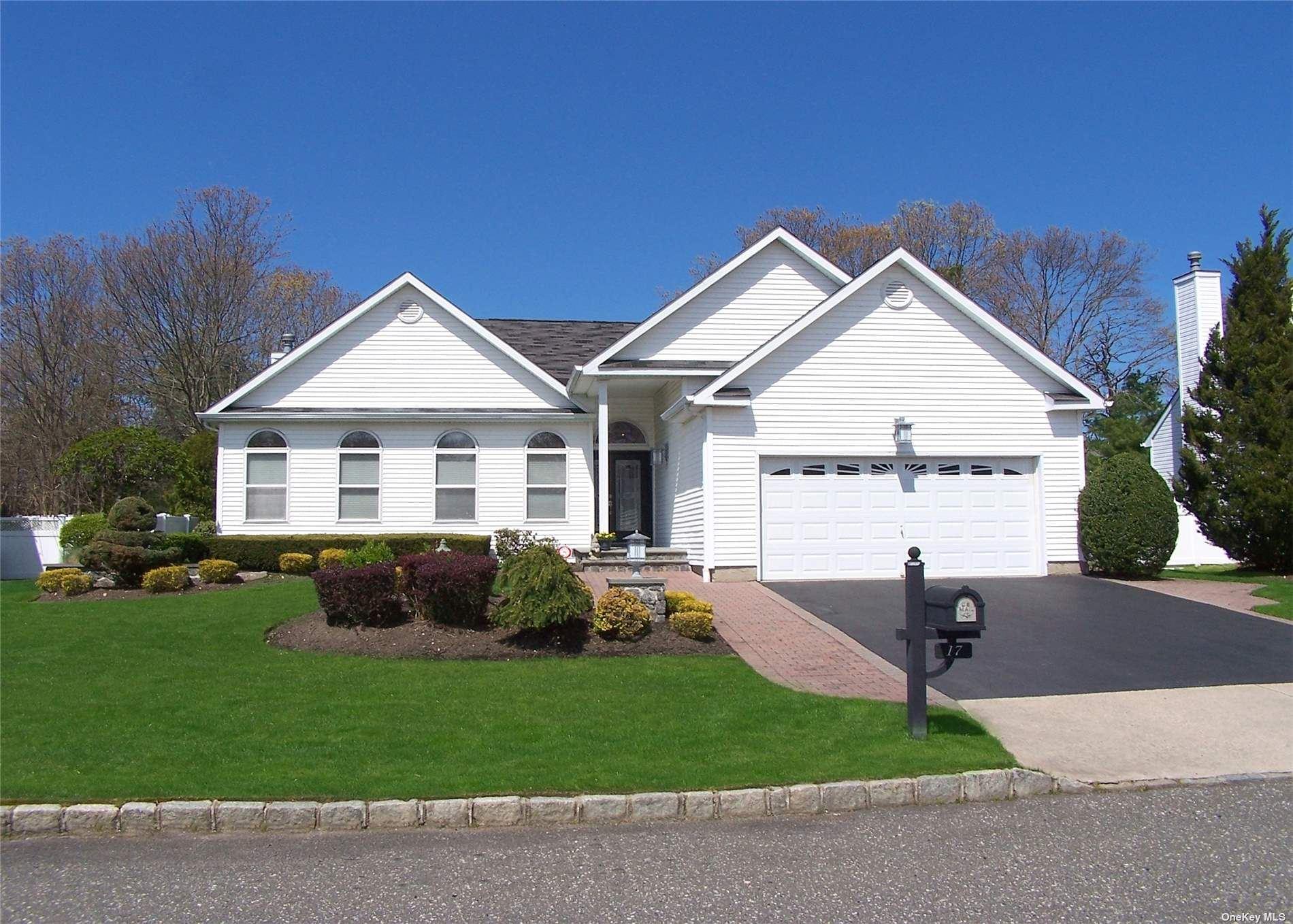 17 Summerfield Drive, Holtsville, NY 11742 - MLS#: 3307821