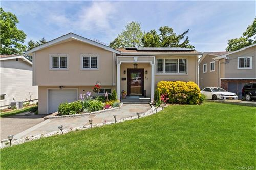 Photo of 52 Cherrywood Road, Yonkers, NY 10710 (MLS # H6021823)