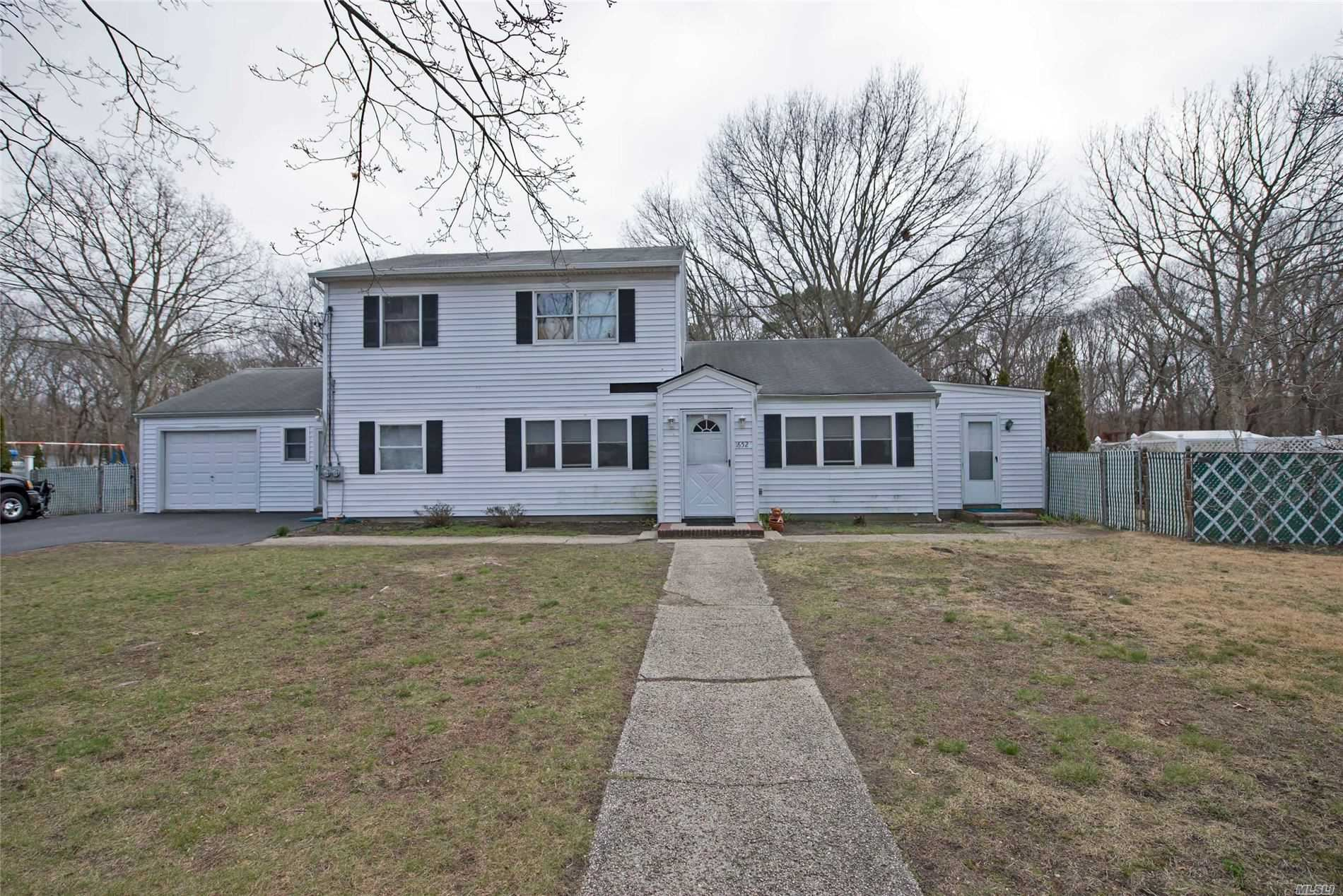 1652 Spur Drive, Central Islip, NY 11722 - MLS#: 3208825