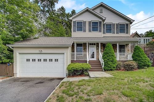 Photo of 14 Woodale Place, White Plains, NY 10604 (MLS # H6041827)