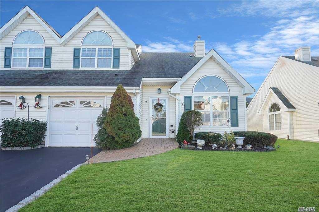 42 Joyces Way, Bay Shore, NY 11706 - MLS#: 3279827