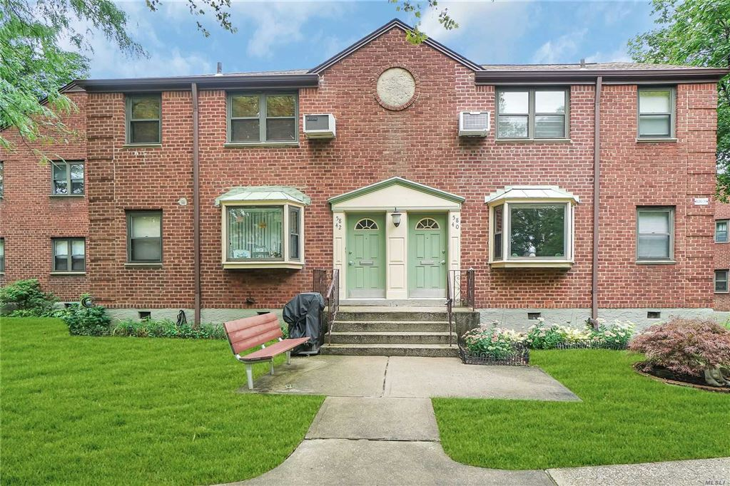 58-40 246 Crescent #upper, Douglaston, NY 11362 - MLS#: 3158831