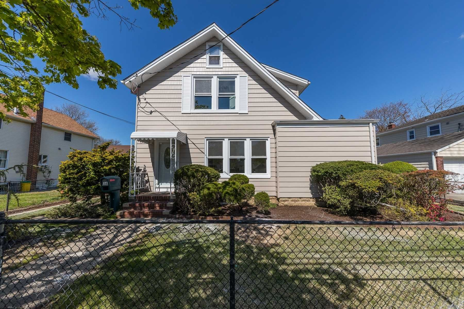 38 Lloyd Ave, Lynbrook, NY 11563 - MLS#: 3212834