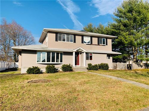 Photo of 31 Rita Cres, Commack, NY 11725 (MLS # 3182836)