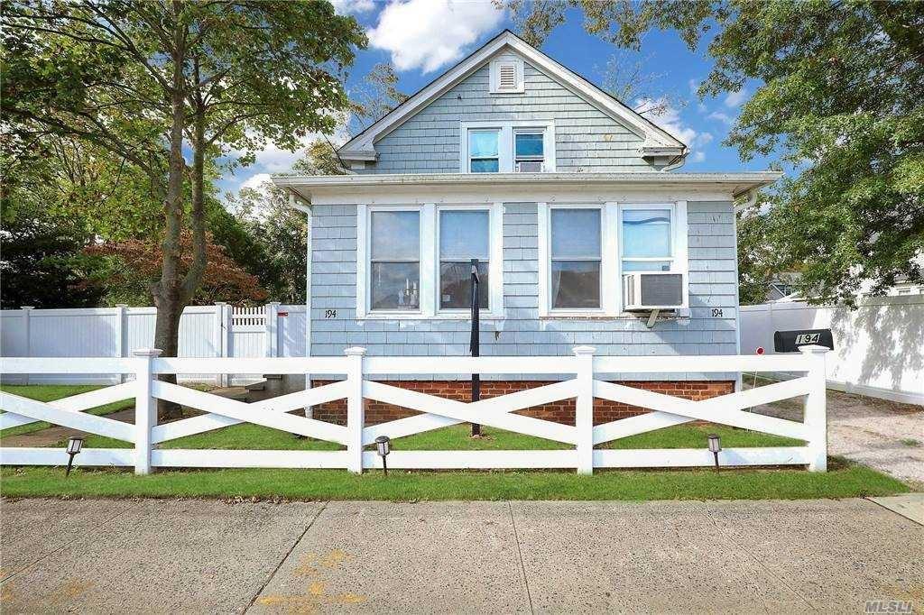 194 5th Avenue, Bay Shore, NY 11706 - MLS#: 3258836