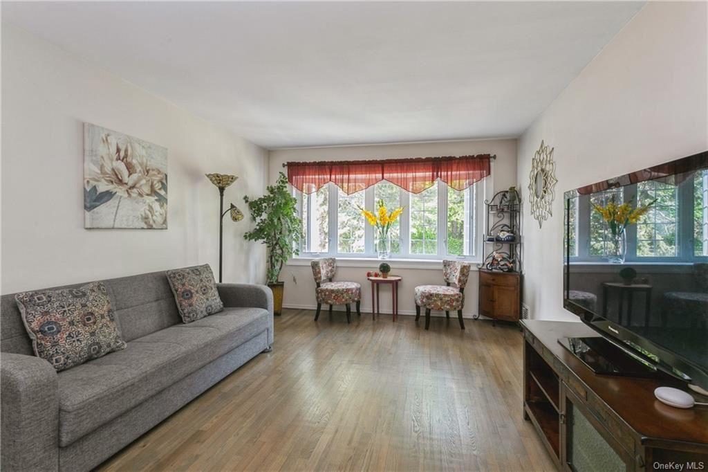 Photo of 3220 Watt Avenue, BRONX, NY 10465 (MLS # H6113840)