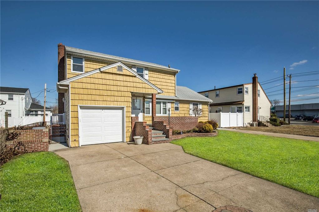 833 Shakespeare Place, East Meadow, NY 11554 - MLS#: 3108841