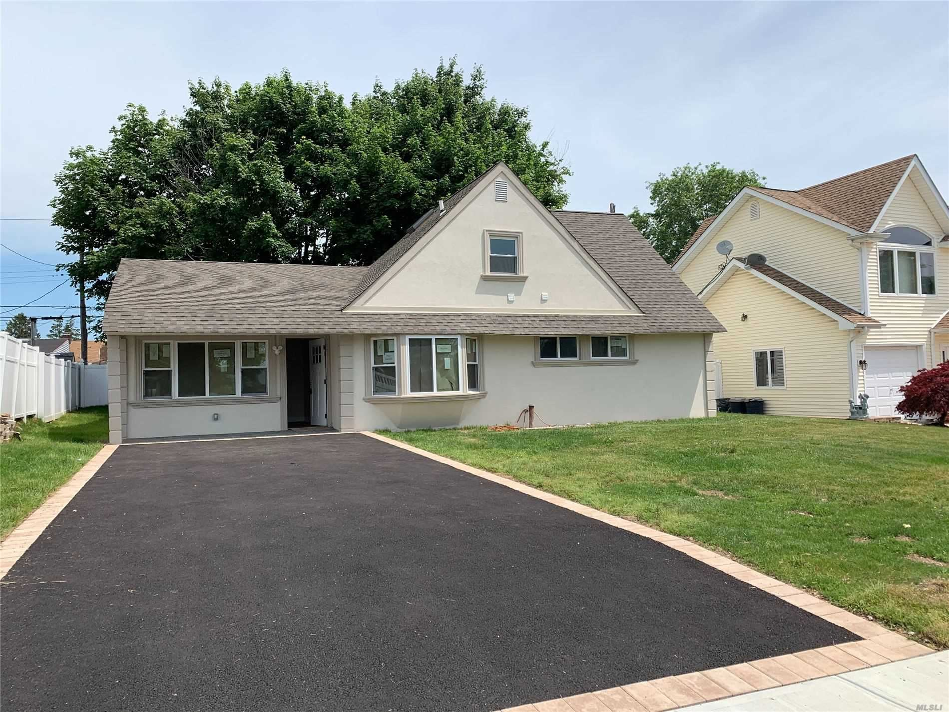 47 Bayberry Ln, Levittown, NY 11756 - MLS#: 3211846