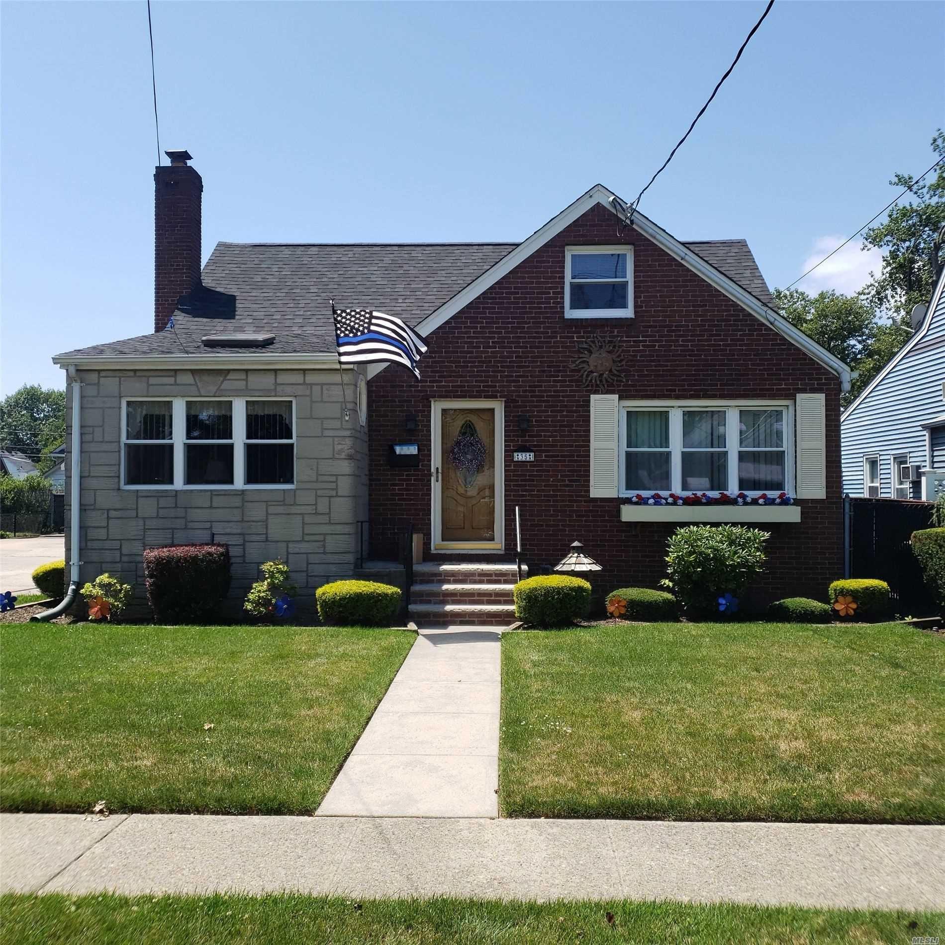 35 5th Ave, Garden City Park, NY 11040 - MLS#: 3211848
