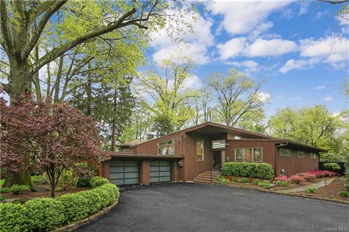 Photo for 3 Laura Lane, Scarsdale, NY 10583 (MLS # H6090849)