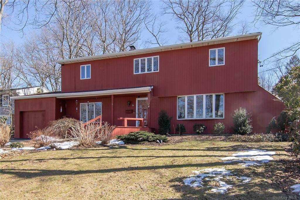 Photo of 6 Lucille Lane, Old Bethpage, NY 11804 (MLS # 3292852)