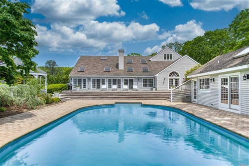 Photo of 18 Old Meeting Hous Road, Quogue, NY 11959 (MLS # 3220854)
