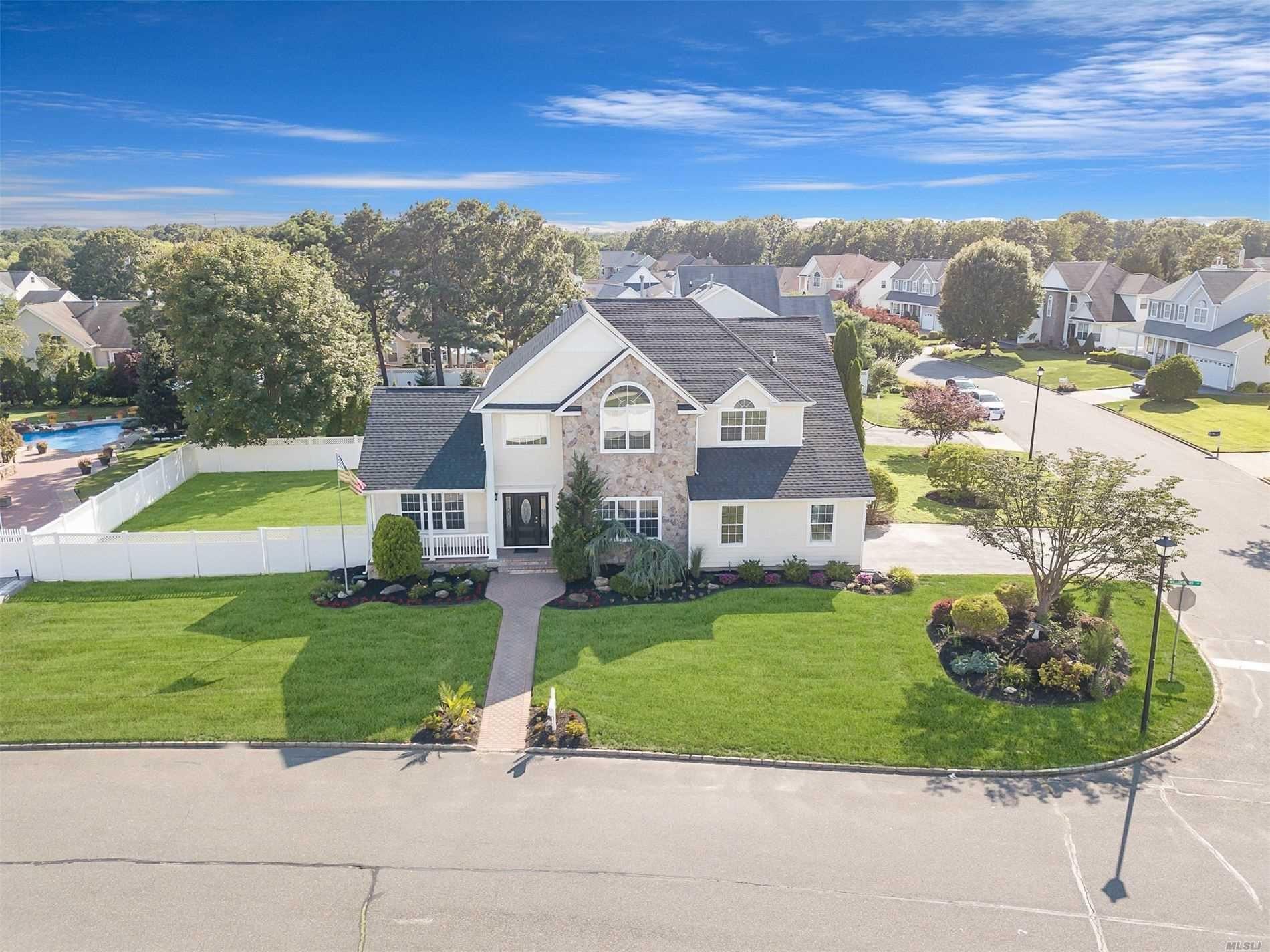 31 Willowbend Lane, Holtsville, NY 11742 - MLS#: 3241855
