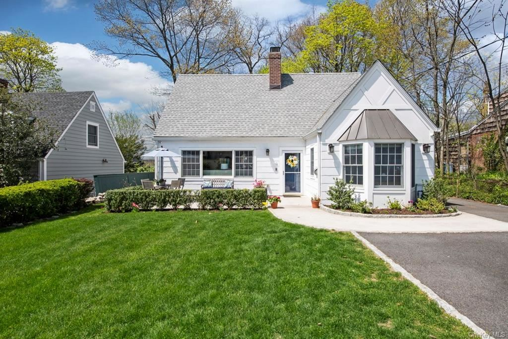 Photo of 4 Wendover Road, Eastchester, NY 10709 (MLS # H6111856)