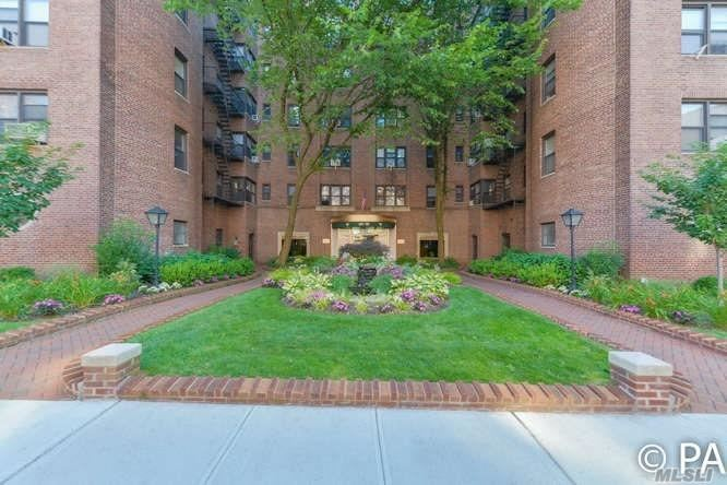 69-10 Yellowstone Blvd #216, Forest Hills, NY 11375 - MLS#: 3109858