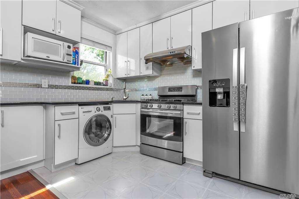 219-36 67 Avenue #Upper, Bayside, NY 11364 - MLS#: 3272860