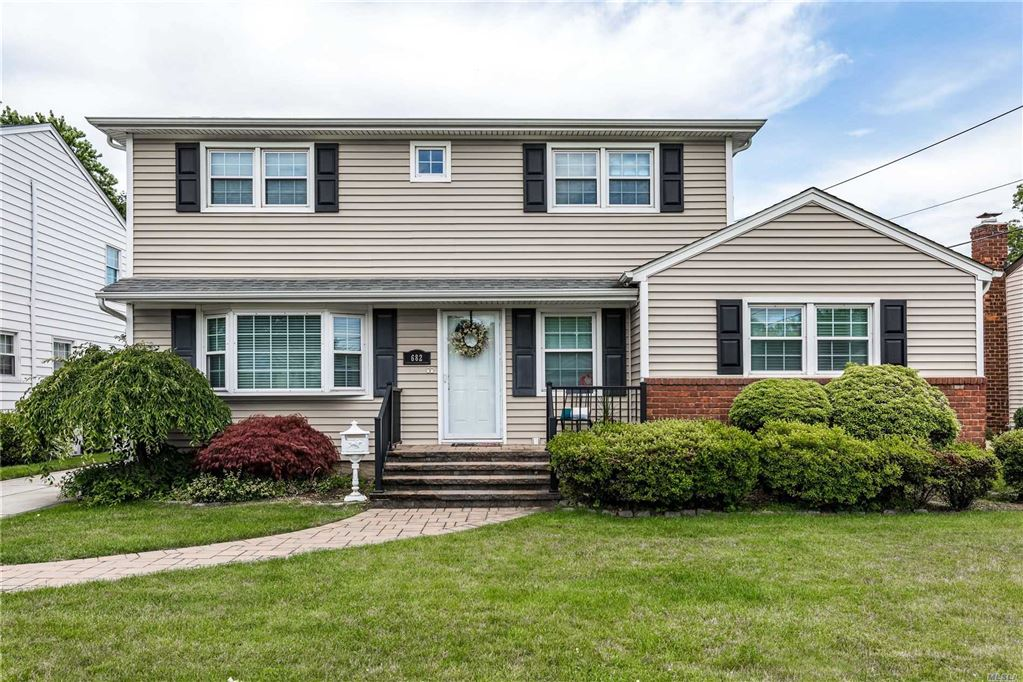 682 Pleasant Avenue, Westbury, NY 11590 - MLS#: 3141863
