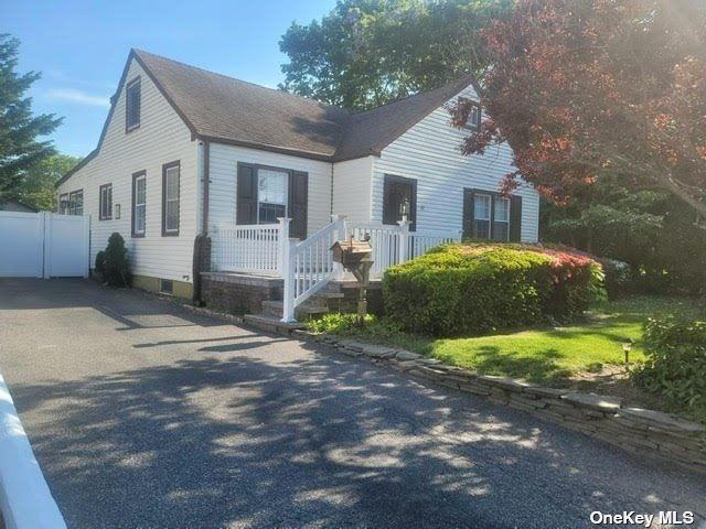 32 Everett Street, Patchogue, NY 11772 - MLS#: 3315863