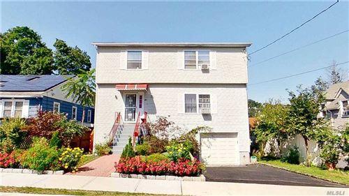 Photo of 29 1/2 S.Stone Avenue, Greenburgh, NY 10522 (MLS # 3249864)