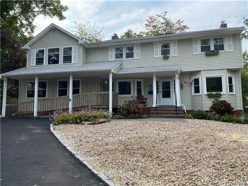 Photo of 5 Ponds Edge Road, Oyster Bay, NY 11771 (MLS # 3260864)