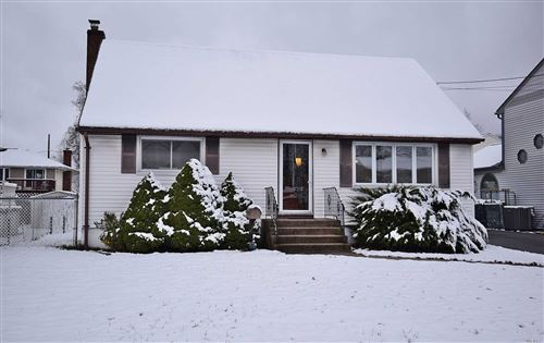 Photo of 280 Eastwood Ave, Deer Park, NY 11729 (MLS # 3185866)