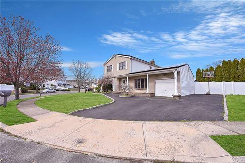 Photo of 11 Avis Drive, Holbrook, NY 11741 (MLS # 3302866)