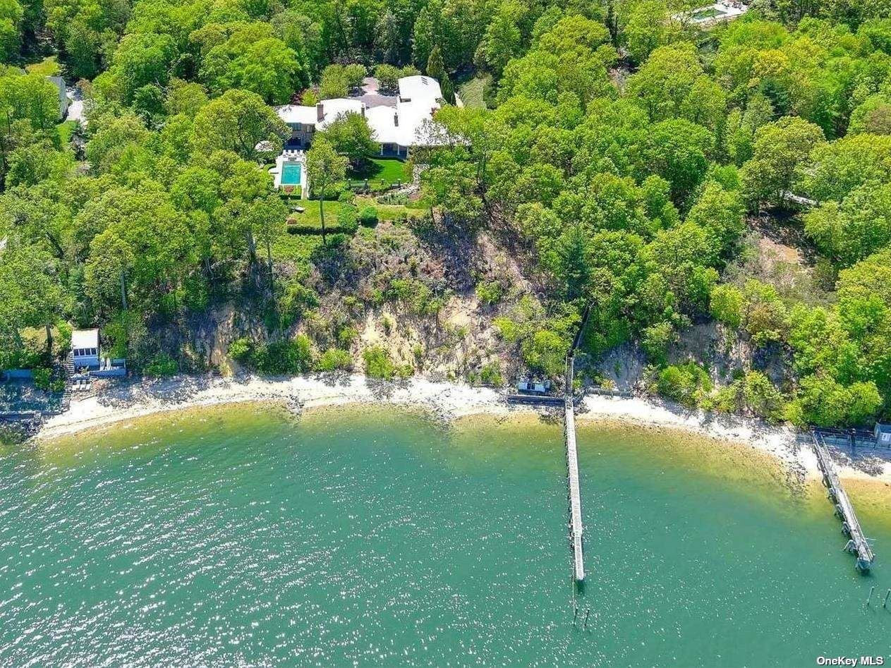 Photo of 60 Weld Gilder Road, Oyster Bay, NY 11771 (MLS # 3312867)