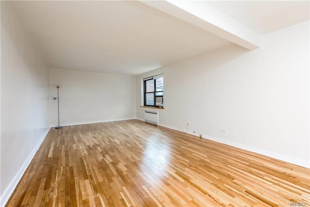 73-11 210th Street #6J, Bayside, NY 11364 - MLS#: 3240868