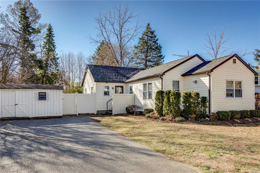 40 Maplewood Road, Huntington Sta, NY 11746 - MLS#: 3109869