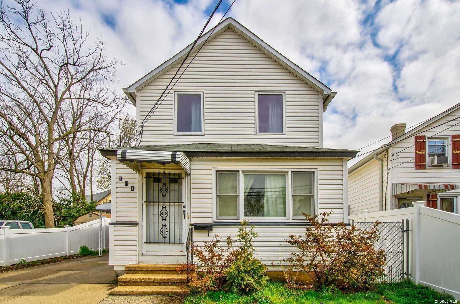 101 Kraemer Street, Hicksville, NY 11801 - MLS#: 3305869
