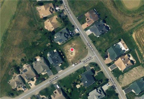 Photo of 201 Tyler Drive Ct, Riverhead, NY 11901 (MLS # 3283874)