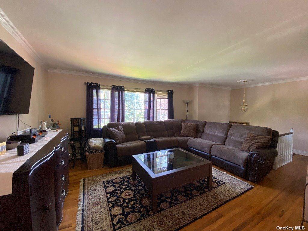 Photo of 7 Elm Place, Glen Head, NY 11545 (MLS # 3319874)