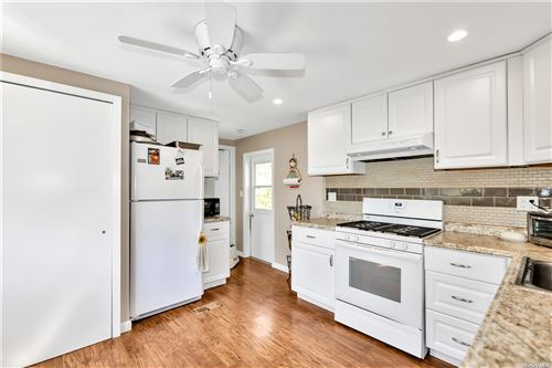Photo of 85 Willow Drive, E. Quogue, NY 11942 (MLS # 3311875)