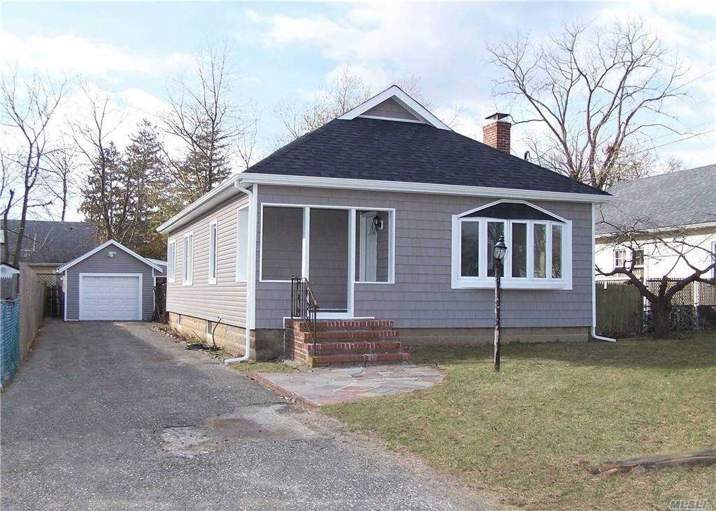 174 Falcon Ave, Patchogue, NY 11772 - MLS#: 3279878
